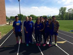 trackmeet_group.jpg
